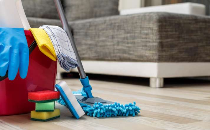picture of cleaning supplies
